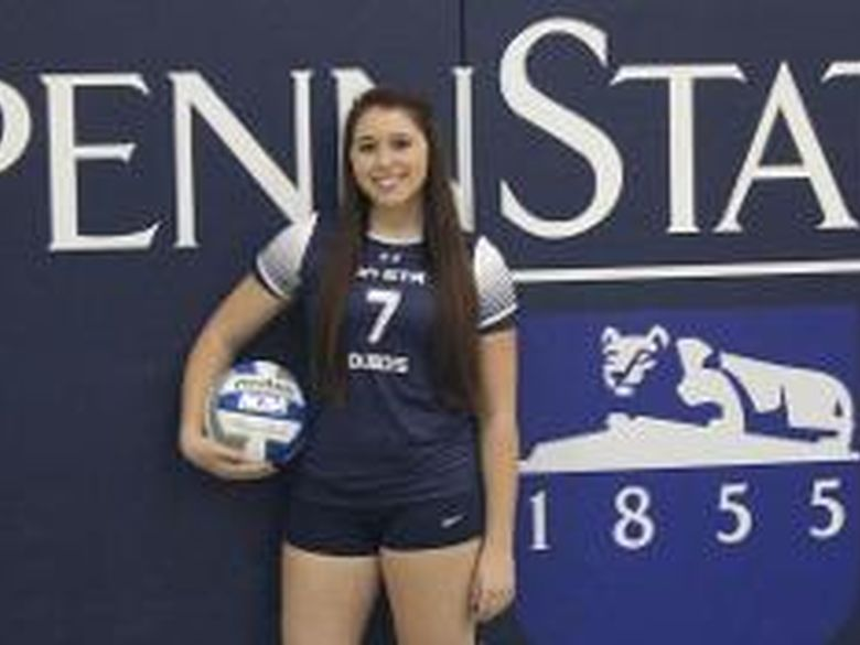 photo of Freshman Shauna Guy on volleyball team